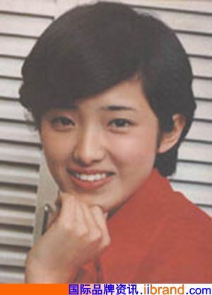 风靡日本的山口百惠随着一部电视连续剧 (300x416)-山口百惠和 电影图片