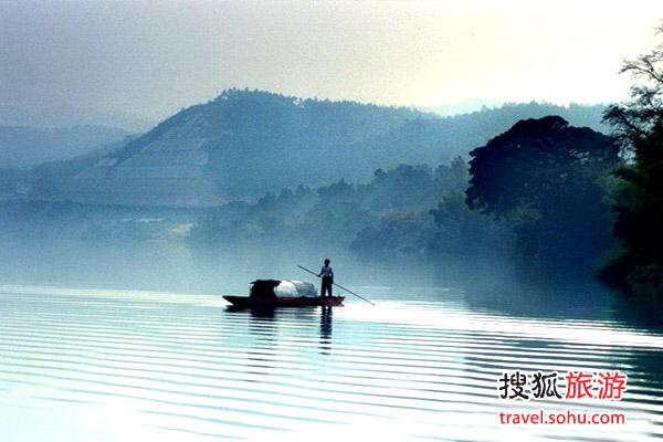 """广东""""依水而游""""山水如画入梦来"""
