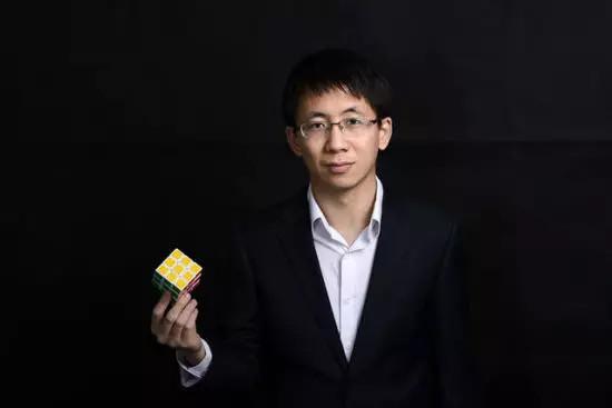 :80后   籍贯:福建龙岩   身份:今日头条创始人兼CEO   2005年毕业