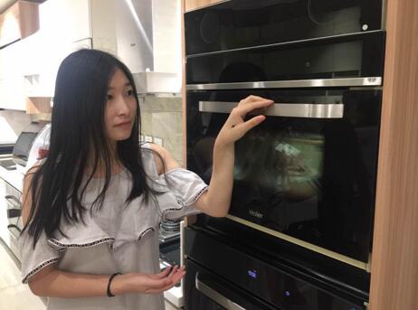 世界首台蒸烤一体机在海尔上市