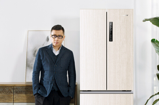 """冰箱为啥非要""""板着脸""""?统帅木纹冰箱让家电换新颜"""