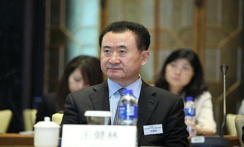 """王健林""""甩包袱"""",苏宁""""接盘""""37家万达百货旗下门.."""