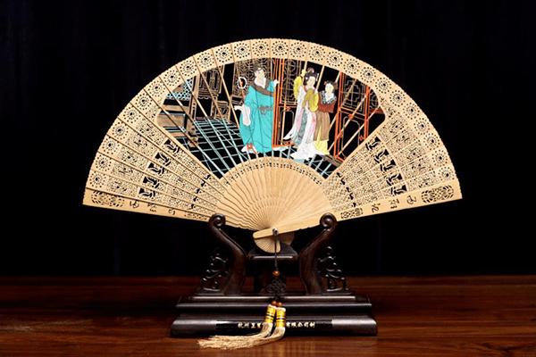 百年老字号王星记扇子为何深受年轻人追捧